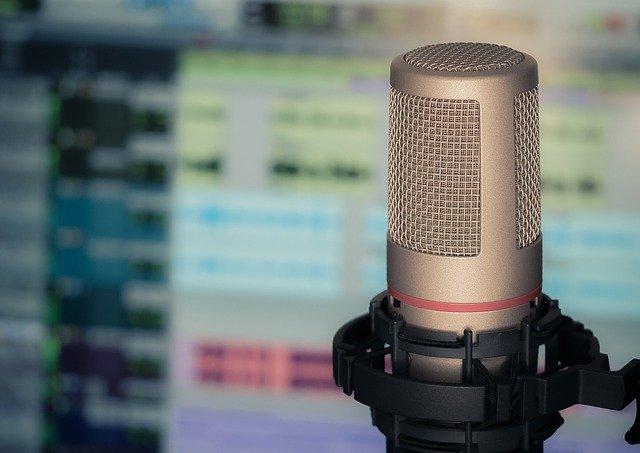 Podcast'lere ve web seminerlerine konuk